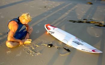 surfer_surfing_yoga_pilates_fitness